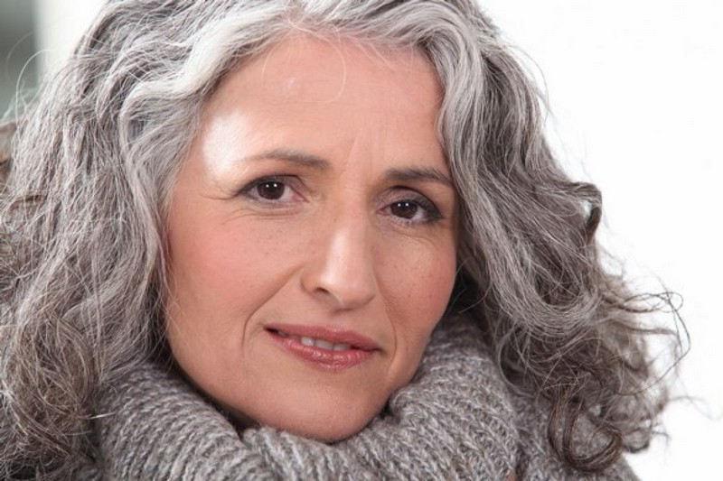 Assumer ses cheveux gris
