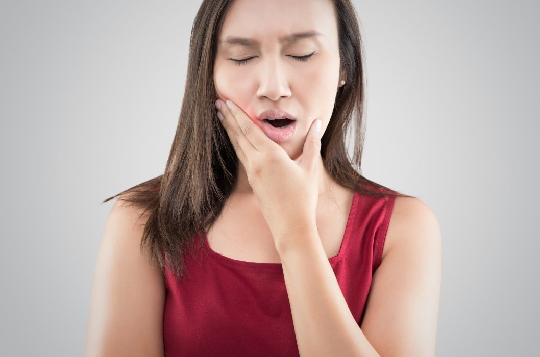 douleurs à la mâchoire