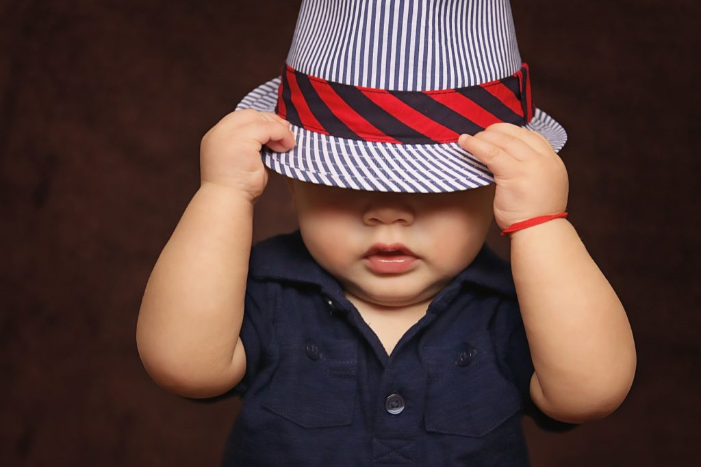 vêtements de son futur bébé